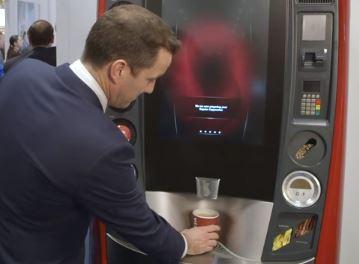 máquinas expendedoras de bebida de café